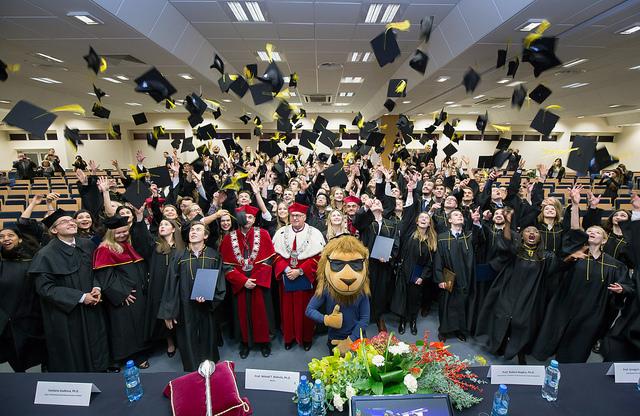 Kozminski University เรียนการจัดการ เรียนบัญชีการเงิน เรียนต่อต่างประเทศ เรียนต่อโปแลนด์ เรียนปริญญาโปแลนด์ โปแลนด์ ท่องเที่ยวโปแลนด์ วีซ่านักเรียนโปแลนด์